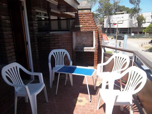 Duplex Un lugar: Duplex en Venta. en Villa Gesell, zona Centro Comercial.
