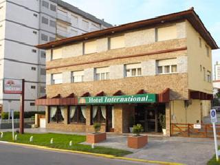 Hotel International, A 50 metros del mar.