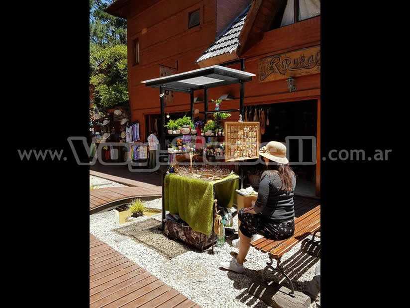 Aldea Hippie: Paseo Comercial en Mar de las Pampas.