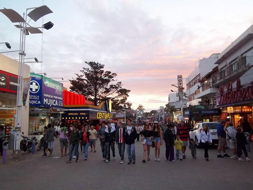 La Avenida 3: Atractivo Turistico en Villa Gesell.