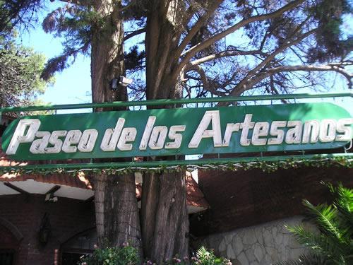 Paseo de los Artesanos: Paseo Comercial en Villa Gesell.