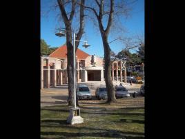 Santiago Apóstol: Iglesia en Villa Gesell.